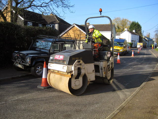 St Johns Close Resurfacing 23-03-2015. Pictures by Chris Cannon - IMG_1067.JPG