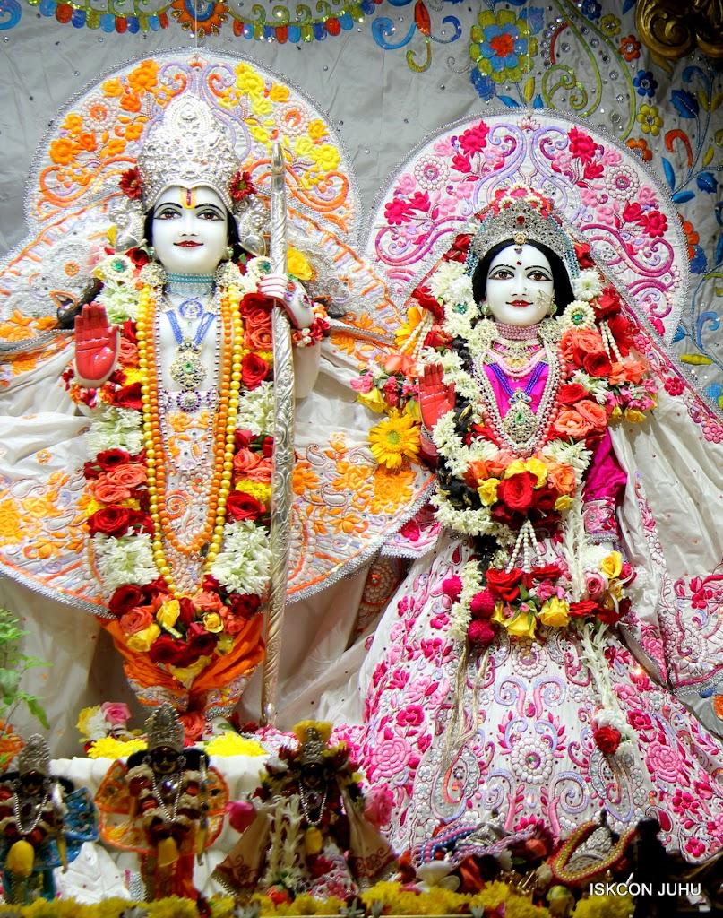 ISKCON Juhu Sringar Deity Darshan on 11th Aug 2016 (29)