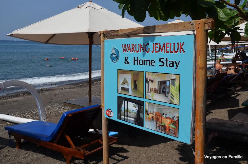 Jemeluk Homestay - Beach
