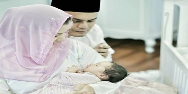gambar baby yusri dan lisa surihani.jpg