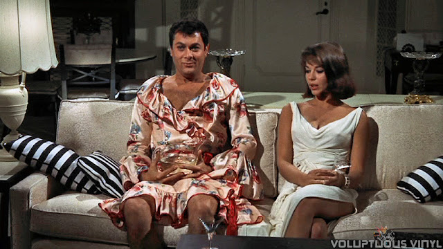 Tony Curtis in women's robe with Natalie Wood