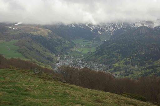 Le Mont Dore vers lequel nous descendons maintenant