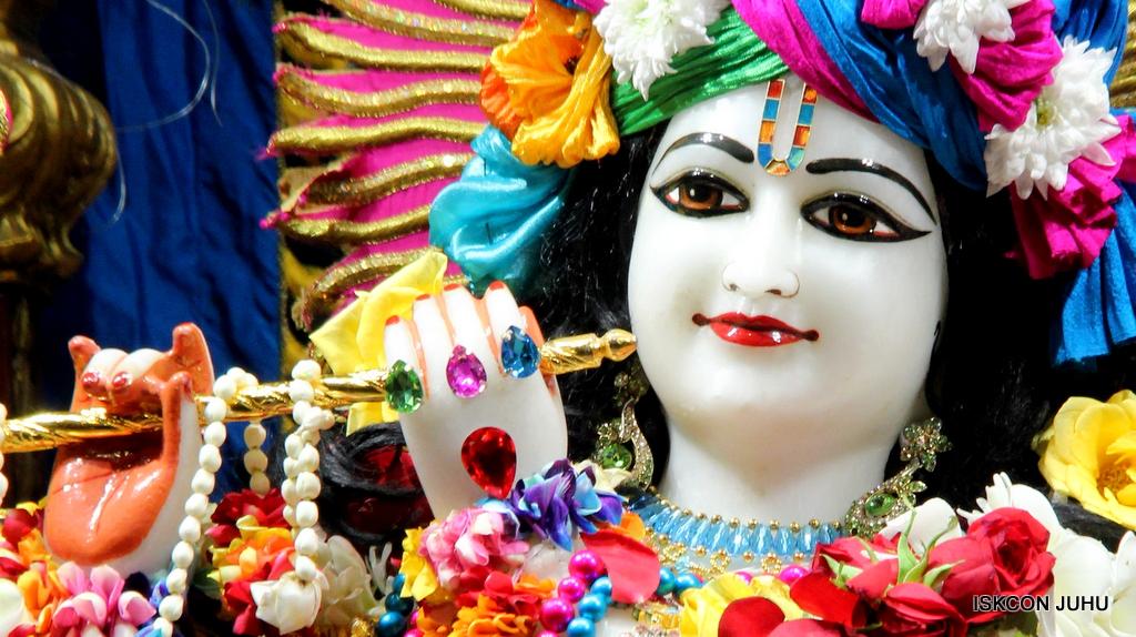 ISKCON Juhu Sringar Deity Darshan on 2nd Oct 2016 (27)
