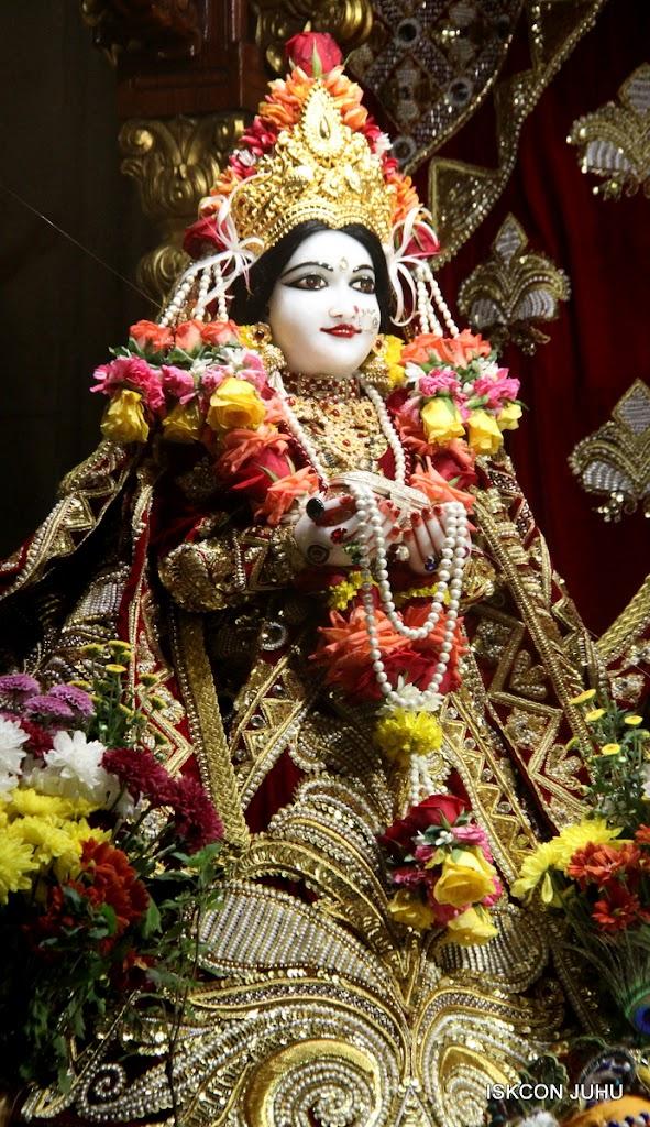 ISKCON Juhu Sringar Deity Darshan on 5th Aug 2016 (18)