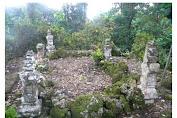 Makam Tipe Aceh  Berada Dalam Kompleks Makam Sibatua dan Mengalitik Ononamolo di NIAS