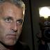 وفاة صحافي هولندي متأثراً بجروحه بعد 9 أيام من تعرضه لإطلاق نار في أمستردام