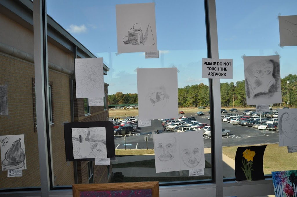 Student Art Show 2010 - DSC_0004.JPG