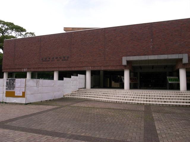 豊橋市美術博物館感想増築前