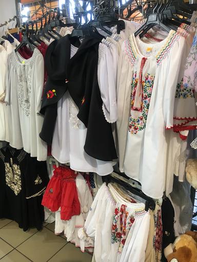 ハンガリー中央市場の服
