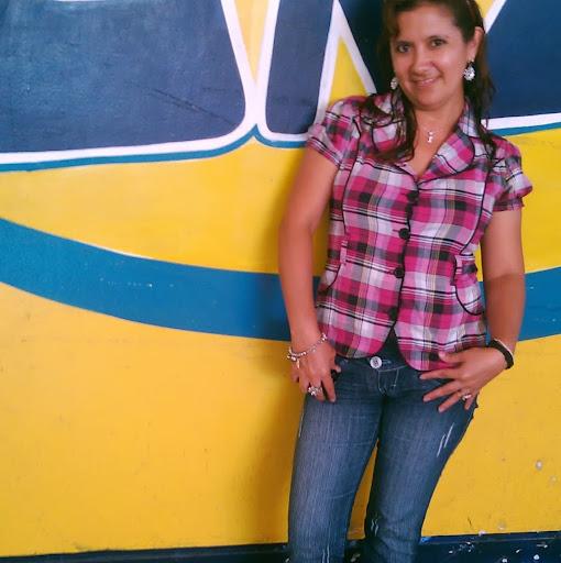 Isabel Escobedo Photo 6