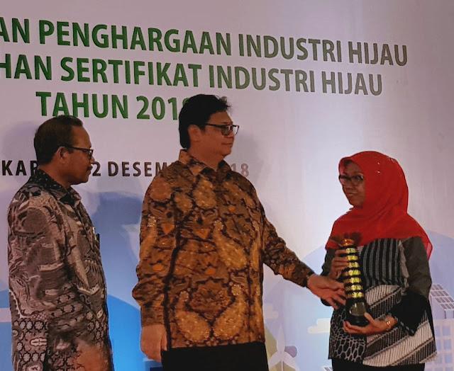 Pabrik AQUA Bekasi Raih Penghargaan Industri Hijau 2018