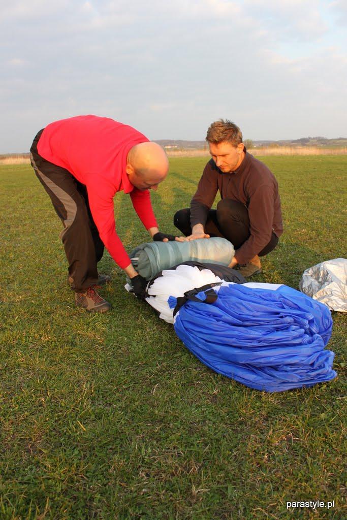 Szkolenia paralotniowe Kwiecień 2011 - IMG_5399.JPG