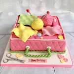 Knitting cake 2.jpg