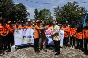 BJB kota Cirebon Salurkan Bantuan Korban Banjir