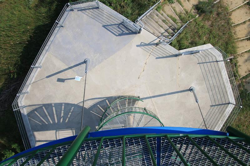 Blick (nach unten) vom Aussichtsturm Döberitzer Heide