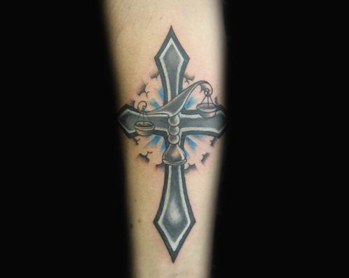 nica_libra_cruz_o_projeto_da_tatuagem