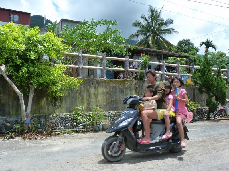 Tainan County. De Baolai à Meinong en scooter. J 10 - meinong%2B080.JPG