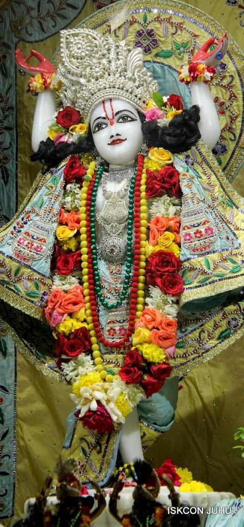 ISKCON Juhu Sringar Deity Darshan on 3rd Aug 2016 (34)