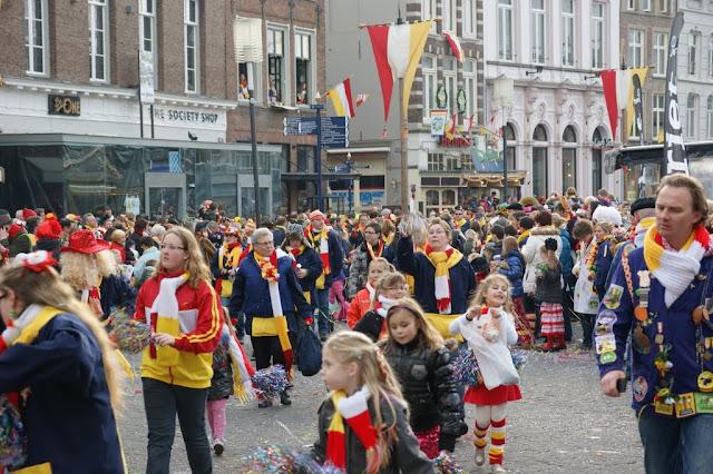 2012-02-19 tm 21 Carnaval in Oeteldonk - DSC04120.JPG
