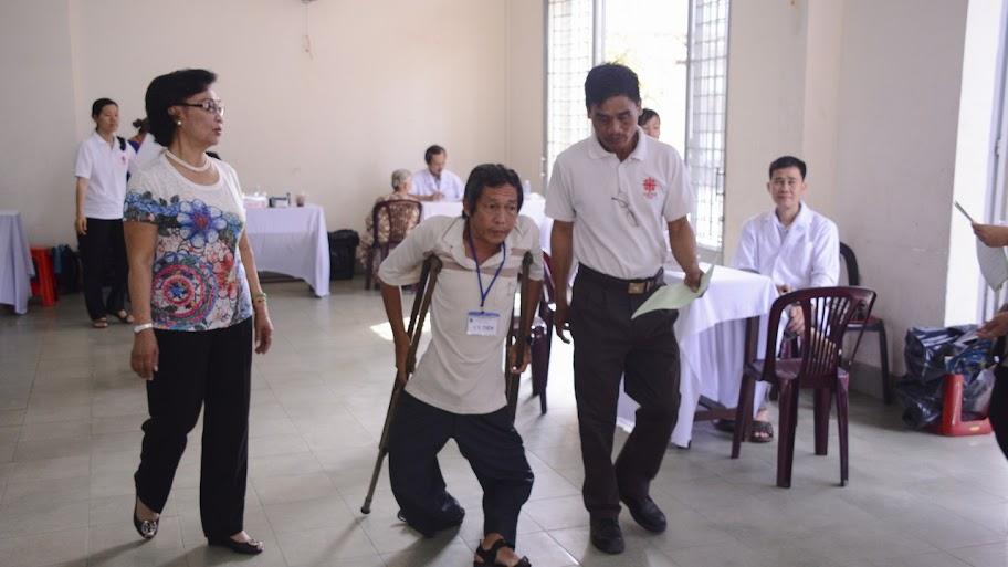 Ban Caritas TGP tp. HCM: Khám chữa bệnh tại giáo xứ Phú Bình