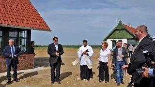 Perpék Attila lelkész - Vályogház átadása Bárdudvarnok