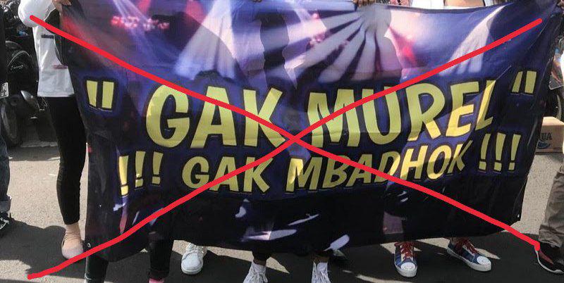 "Ribuan pekerja malam yang kebanyakan wanita ini berkumpul di Jalan Sedap malam dengan membentangkan puluhan spanduk. Salah satu spanduk yang dibawa bertuliskan 'Gak Murel gak Mbadok'. Bahkan salah satu pendemo berteriak keras, ""Cabut Cabut Cabut, kos kosan, susu dan beras bukan pemerintah yang bayar."""