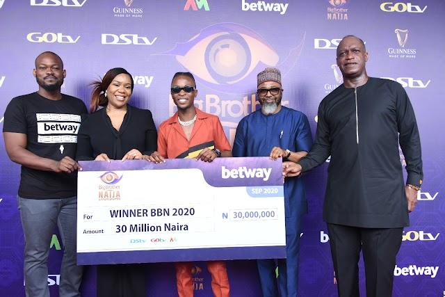 Latest Millionaire! MultiChoice Nigeria Presents Laycon 85 Million Naira Grand Prize At The BBNaija Winner's Prize Presentation ~Omonaijablog (Pix)