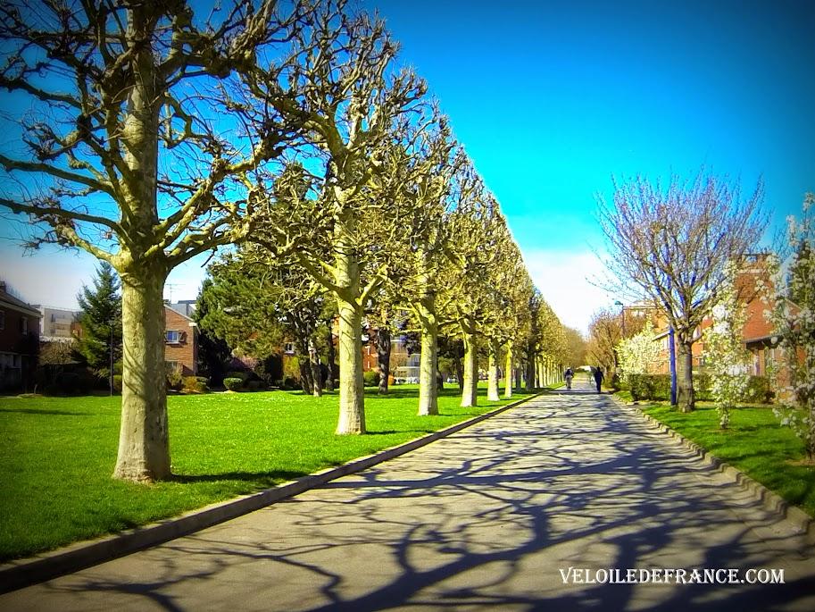 Voie verte à Clamart - E-guide circuit de déplacement à vélo entre Bourg la Reine et Vélizy par veloiledefrance.com