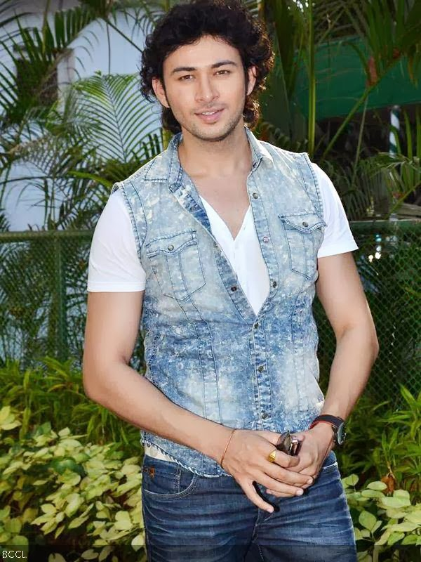 Dev Sharma during the promotion of the movie Yaariyan, held at Mahalaxmi race course, in Mumbai, on January 5, 2013. (Pic: Viral Bhayani)