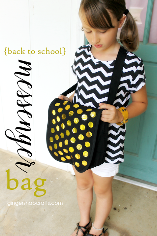 Back to School Messenger Bag with Gold Heat Transfer Vinyl   from #HappyCrafters #sponsored