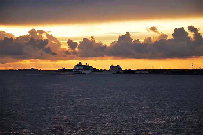 FerryHelsinki12.JPG
