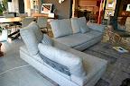 divano Limes Saba Italia in tessuto grigio visibile nella nostra espozizione di Zogno Bergamo, visto da dietro