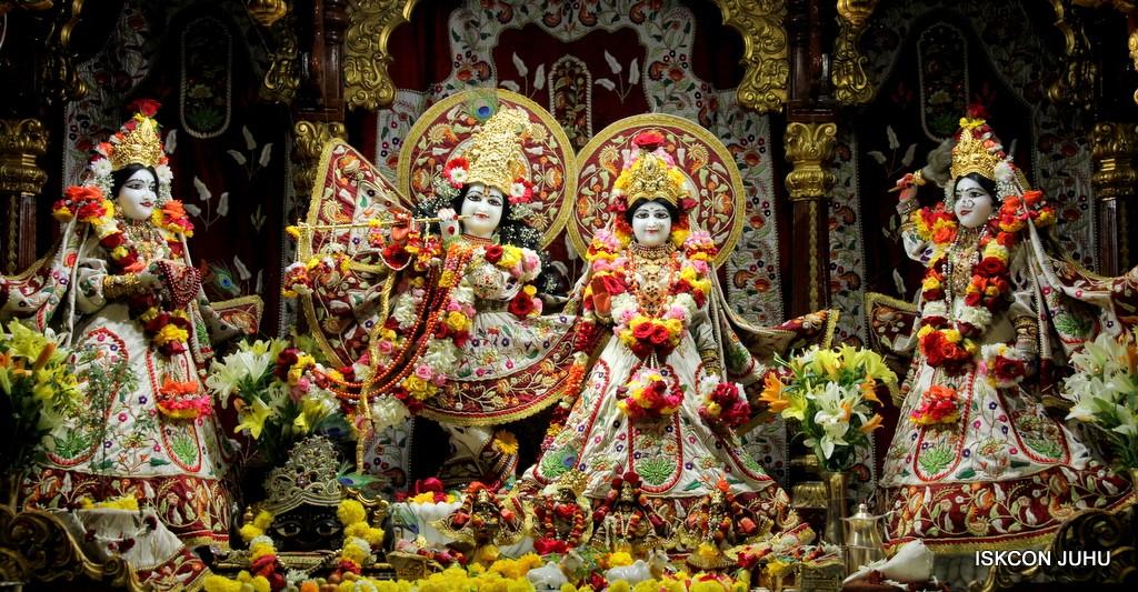 ISKCON Juhu Sringar Deity Darshan on 2nd Jan 2017 (1)
