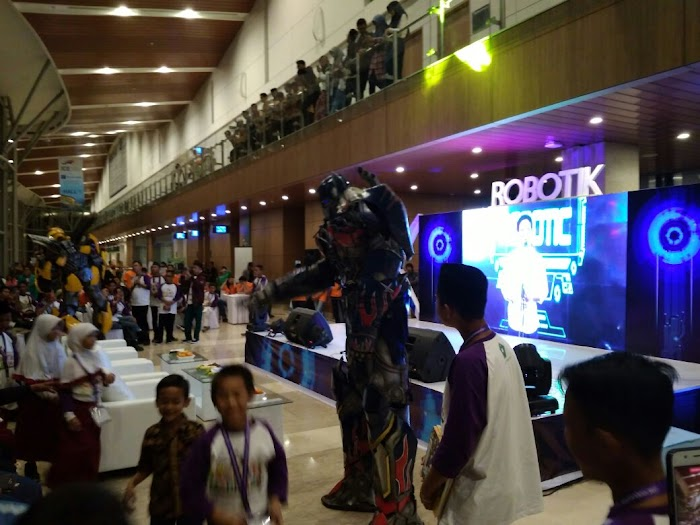 Robot Transformers Tutup Lomba Robotik Madrasah,  MAN 3 Jakarta Raih Juara 1