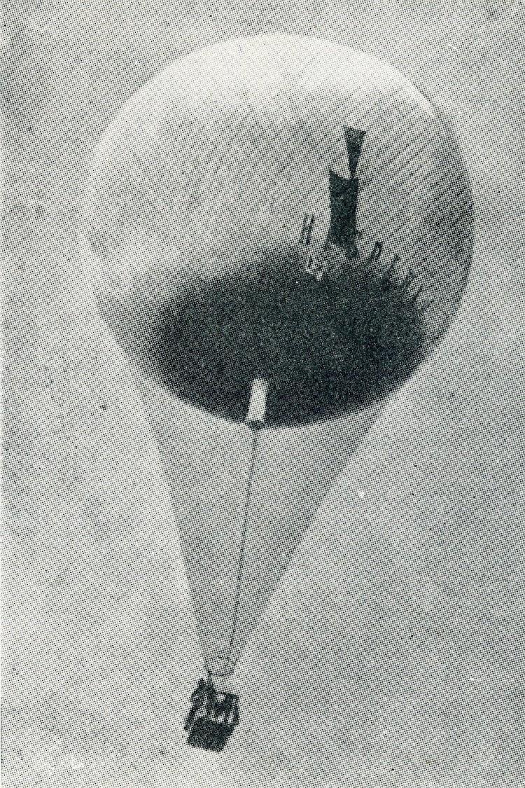 29- El famoso Hesperia, competidor de raids aéreos por parte de la Aeronáutica Naval. Del libro Historia de la Aeronáutica Española.jpg