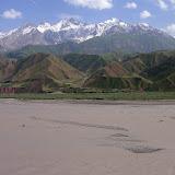 Vue sur les Monts Pierre-le-Grand depuis la rive Nord de la Surkhob, Tadjikistan, 5 juillet 2007. Photo : F. Michel