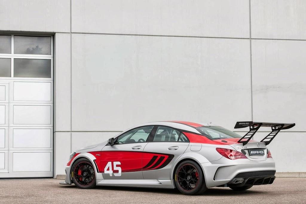 Mercedes Benz CLA 45 AMG Racer 3
