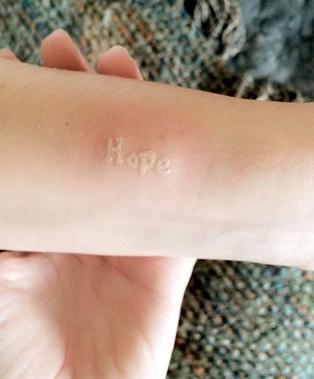 esperança_branca_de_tinta_de_tatuagem