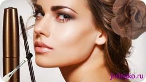 Правильный макияж для нависших век