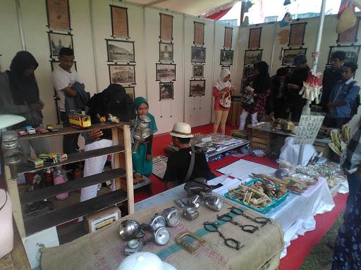 Berkunjung ke Pesta Rakyat Jawa Tengah 2016  di Alun-alun Kota Magelang