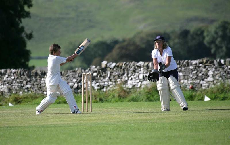 Cricket-Ladies19