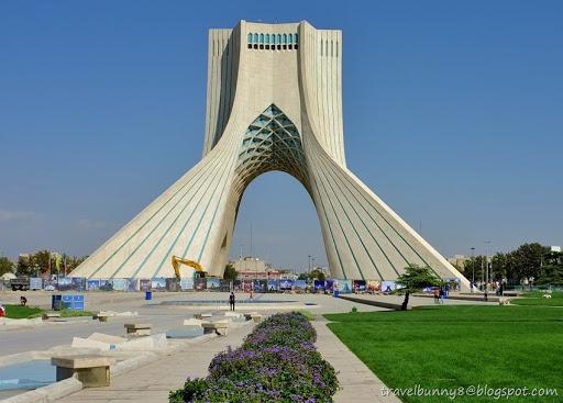 [IRAN] Tehran   Azadi Tower Nice Design