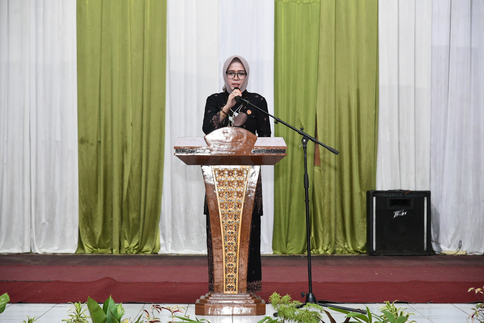 Lomba Batik Khas Batanghari, Zulva Fadhil Ajukan Desain Pemenang Jadi Seragam Dinas Kantor