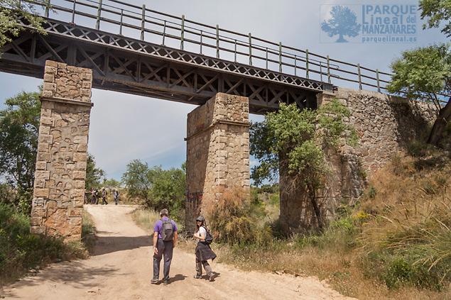Viaducto de Valdepeñas, antigua instalación del Ferrocarril del Tajuña.