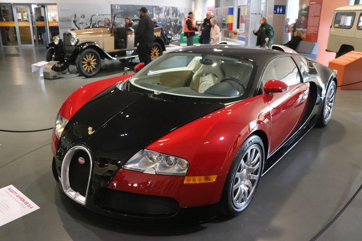Jaguar_National_Rally_2018-04-14_0001 - Bugatti-Veyron.JPG