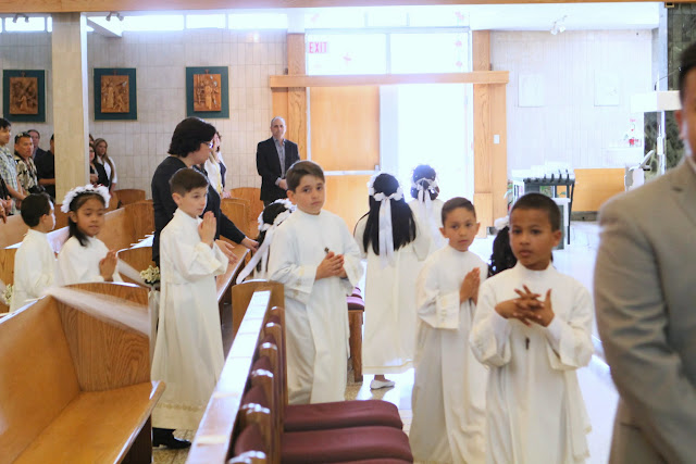 1st Communion May 9 2015 - IMG_1078.JPG