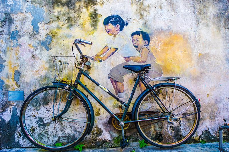 ペナン ジョージタウン ストリートアート Kids on Bicycle1