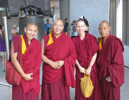 Dagri Rinpoche, Ven. Amy Miller and friends at Liberty Bell, July 2011, Philadelphia, USA