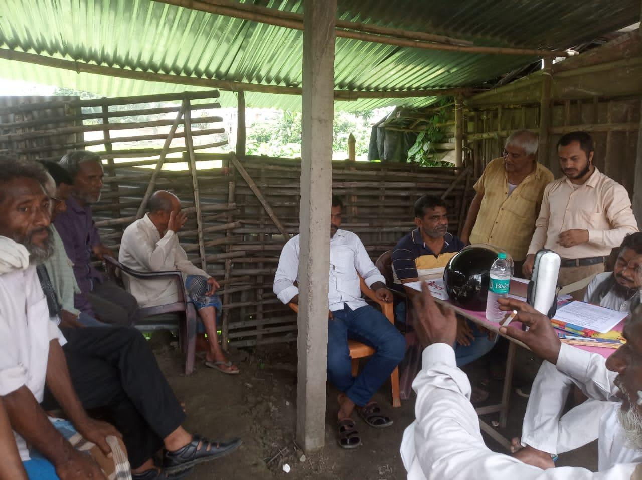 नये कमिटी ने कब्रिस्तान की घेराबंदी को लेकर किया बैठक