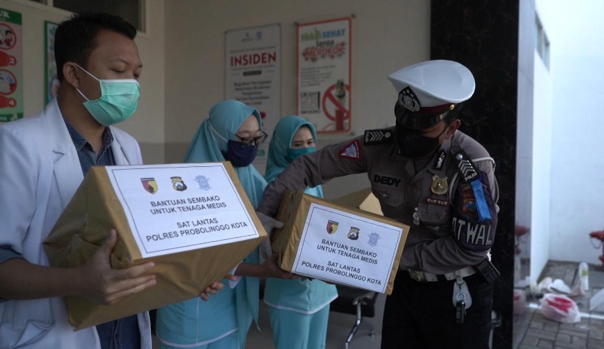 Polres Probolinggo Bagikan Paket Sembako